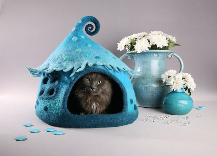 my-felted-world-blue-cat-house