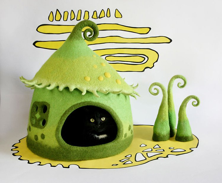 my-felted-world-green-cat-house