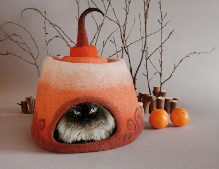 my-felted-world-orange-felt-cat-cave
