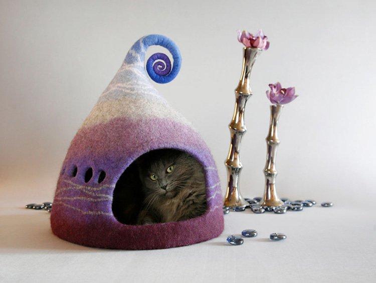 my-felted-world-purple-cat-house