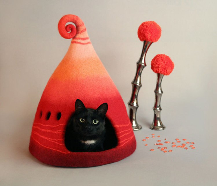 my-felted-world-red-cat-cave