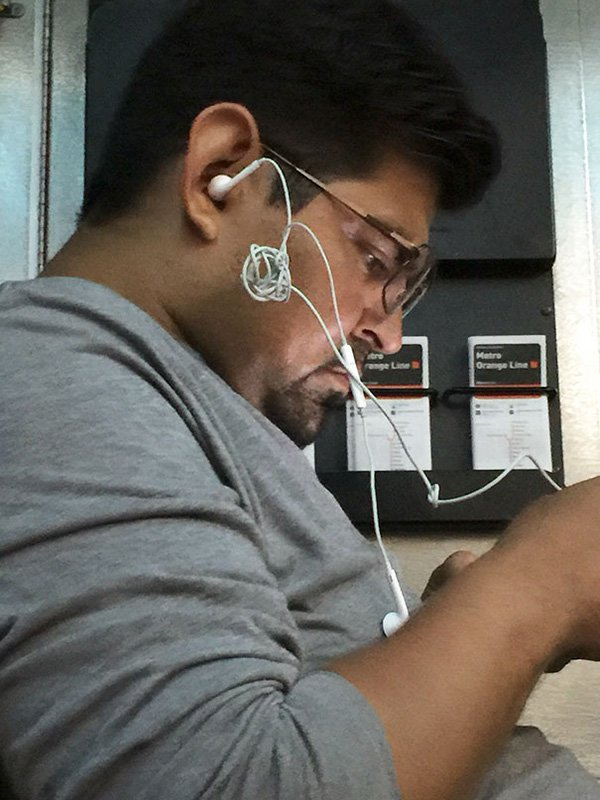annoying-uncomfortable-images tangled earphones