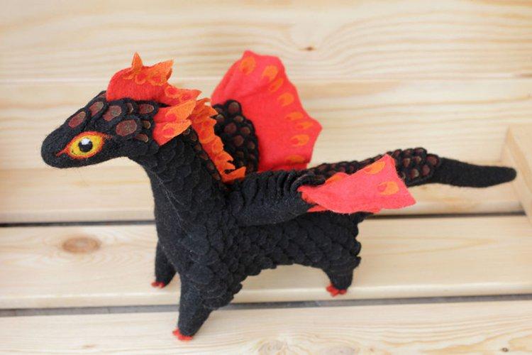 felt-dragons-alena-bobrova-black-and-red