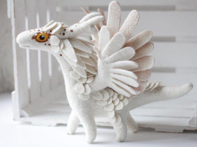 felt-dragons-alena-bobrova-white-dragon