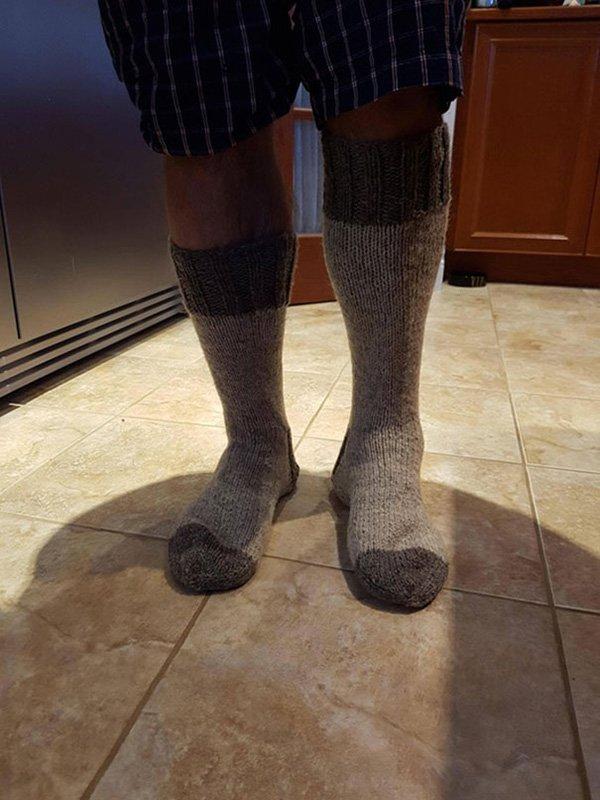 funny-christmas-gifts-grandma-knitted-socks