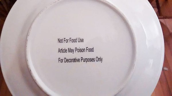 funny-christmas-gifts-poisonous-plate