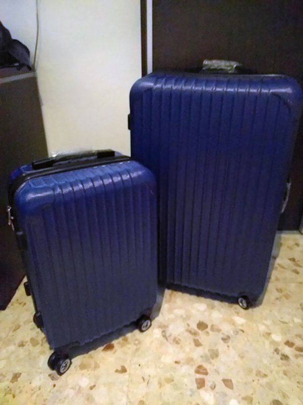 funny-christmas-gifts-suitcases