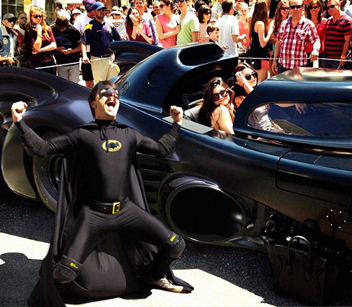 guy-photoshops-himself-into-kendall-jenner-photo-batmobile