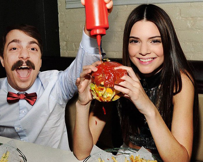 guy-photoshops-himself-into-kendall-jenner-photo-eating-burger