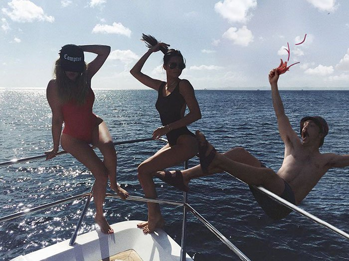 guy-photoshops-himself-into-kendall-jenner-photo-falling-off-of-boat