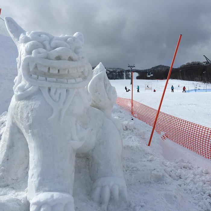 japan snow sculptures chinese dragon