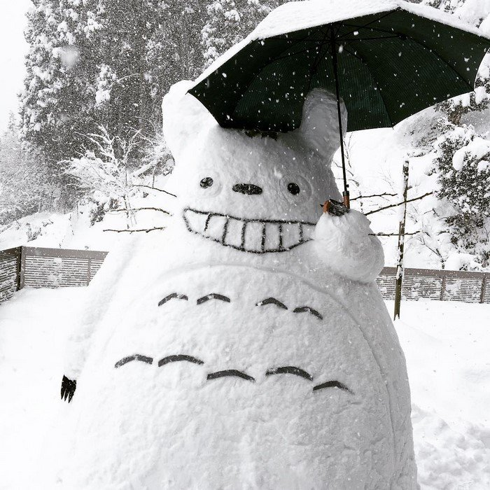 japan snow sculptures totoro