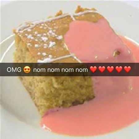 school-cake-year-10-snapchats
