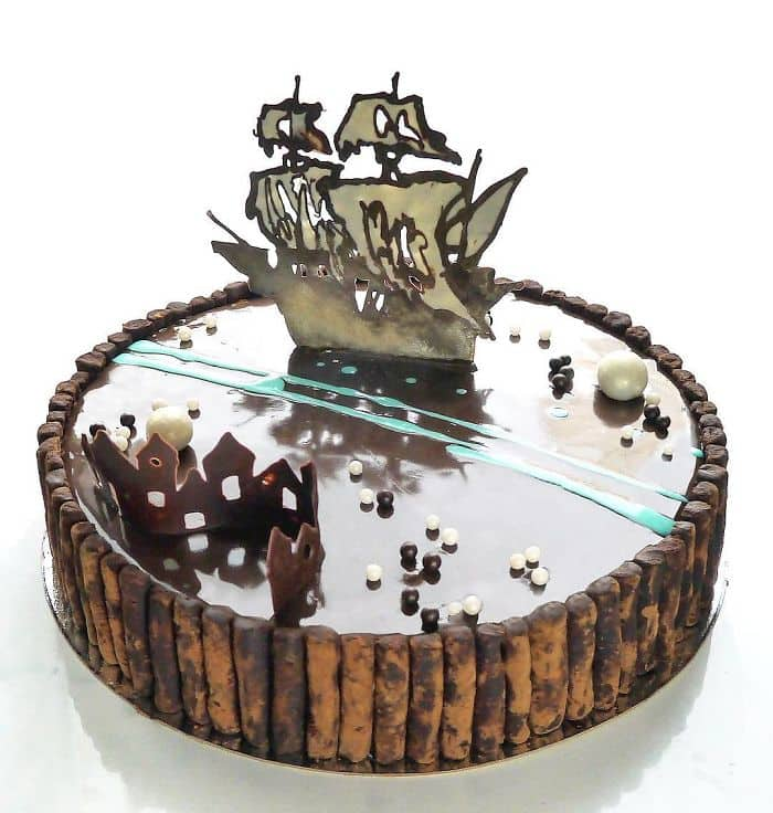 chocolate worlds mirror glaze cakes boat