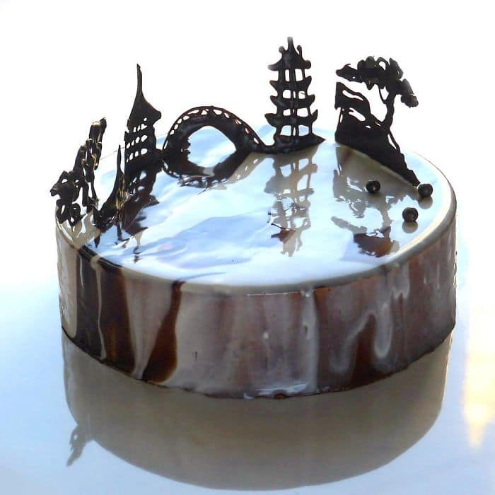 chocolate worlds mirror glaze cakes white glaze