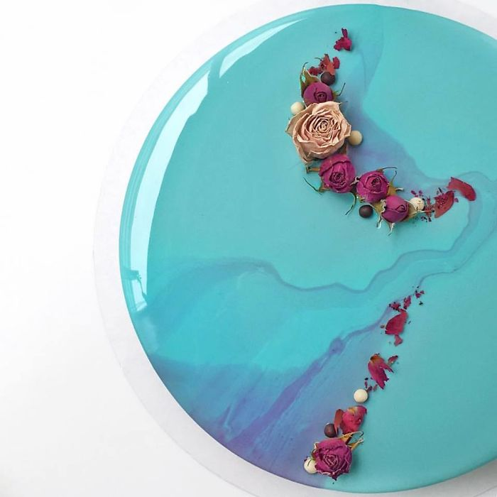 mirror marble mousses blue and flower