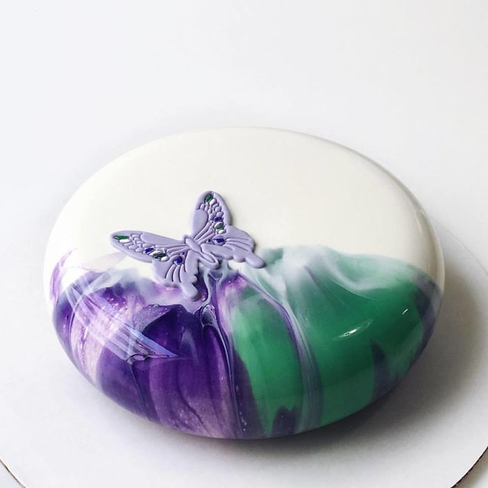 mirror marble mousses butterfly