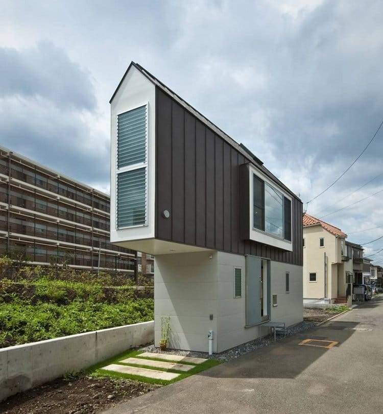 narrow house japan outside side view