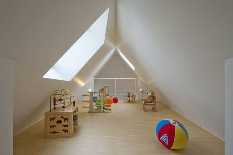 narrow house japan play area