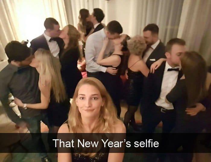 single people jokes new years selfie