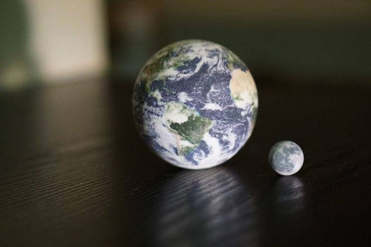 3d-planet-models-earth and moon globes
