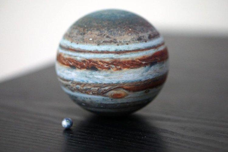 3d-planet-models-jupiter and earth