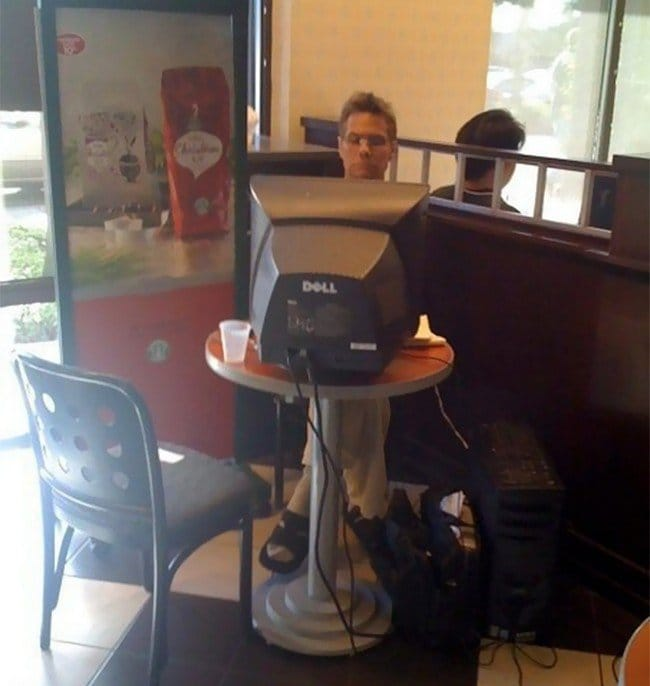 computer guy cafe