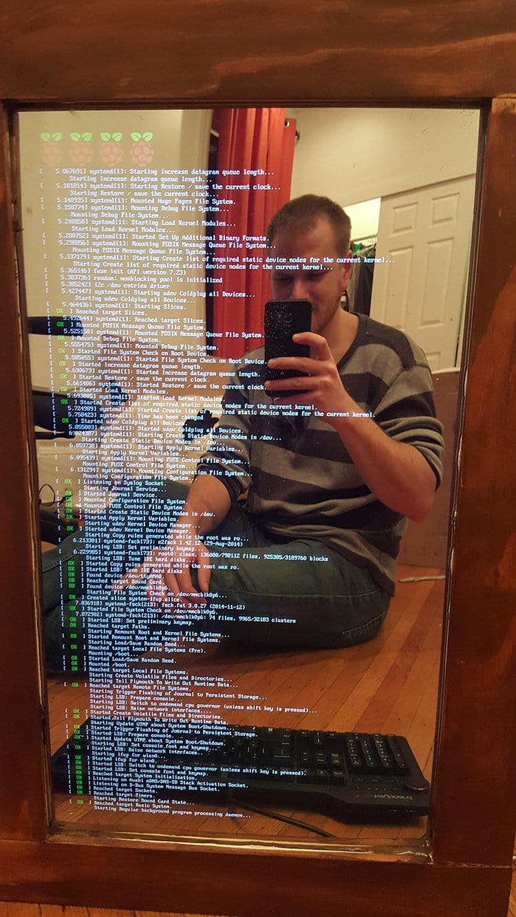 computer monitor mirror booting up
