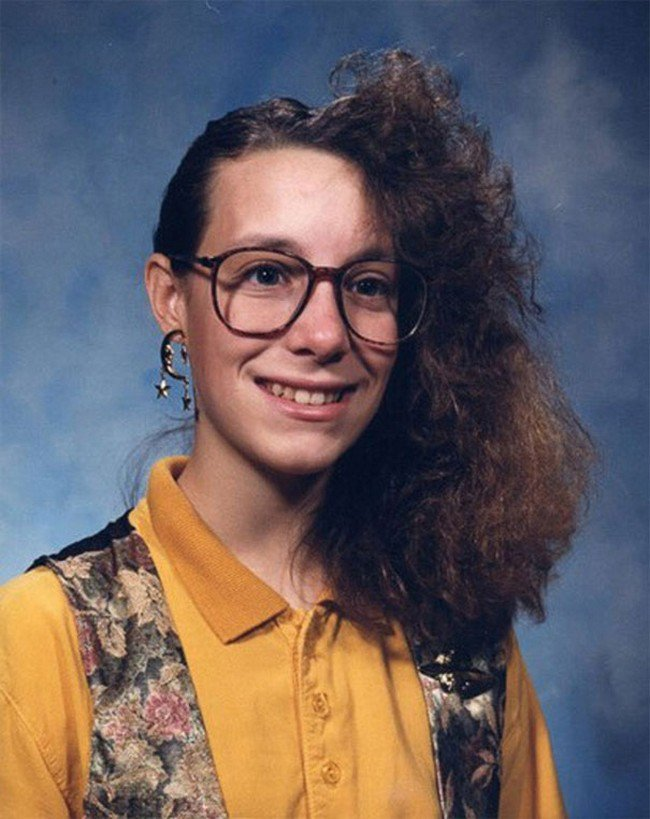 funny 80s 90s hairstyles half frizz