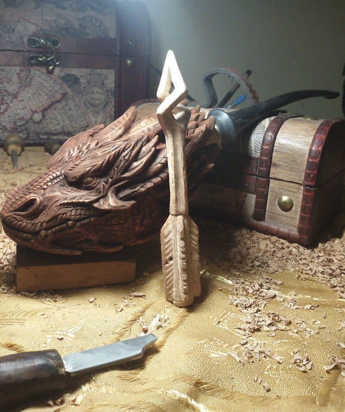 hand carved dragon pipe