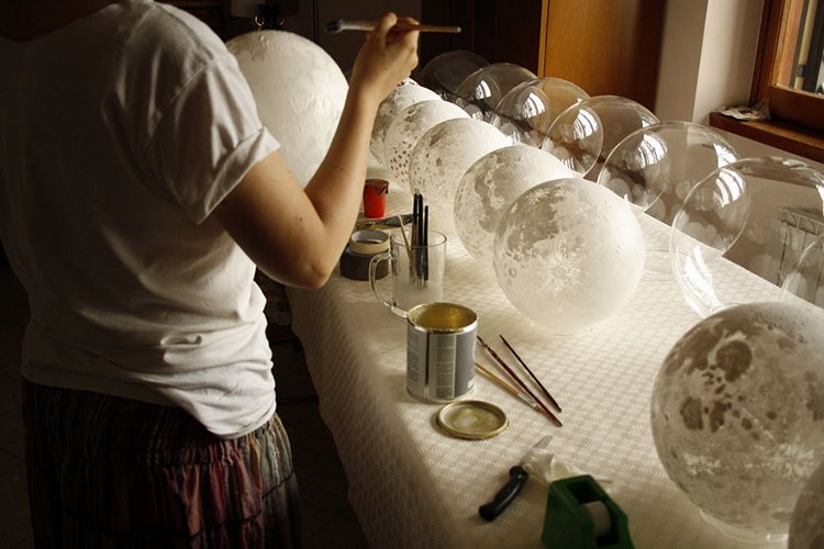 moon-lamp being painted