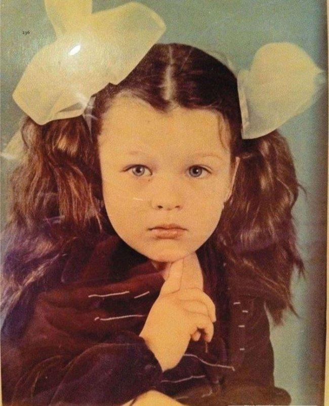 celeb child photos milla jokovich