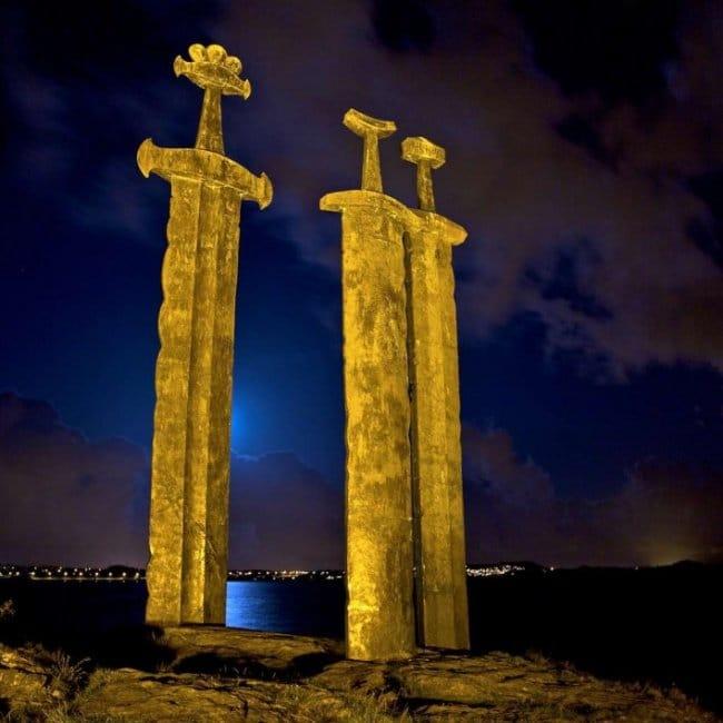 giant sword memorial norway