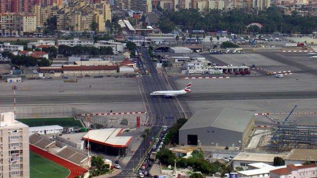 gibraltar airport runway road