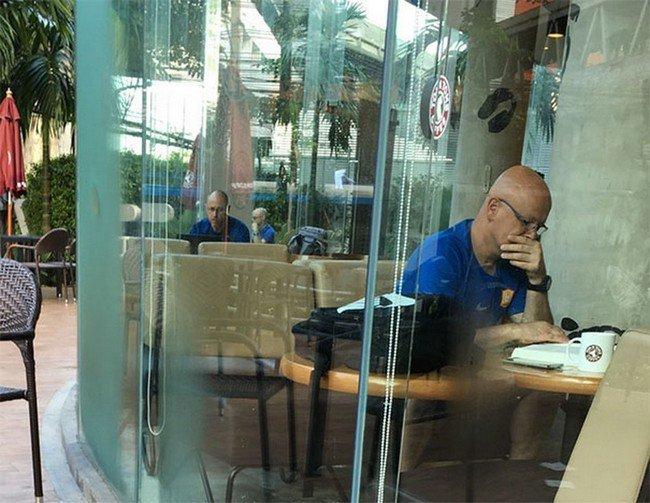 matrix glitches coffee shop twins