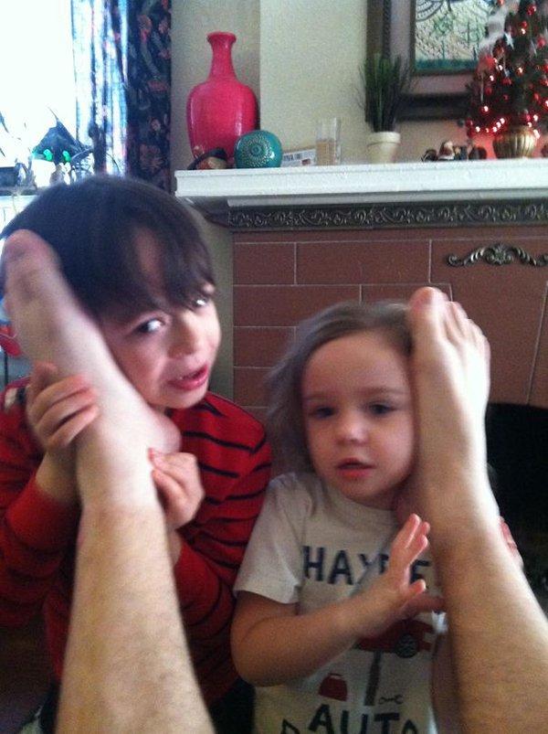 mom jokes humor talking to santa through feet