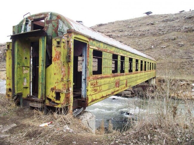 train carriage bridge