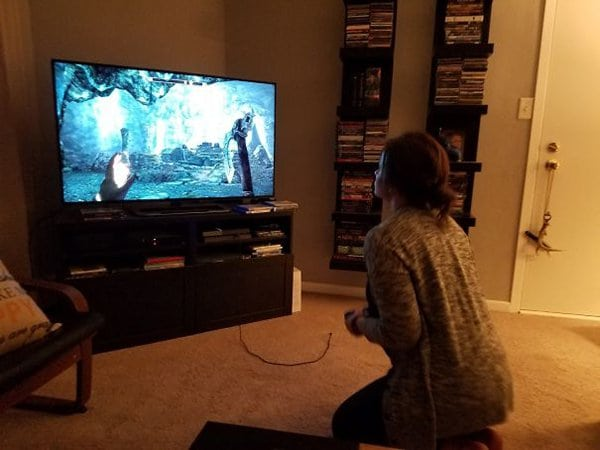 girlfriend playing skyrim