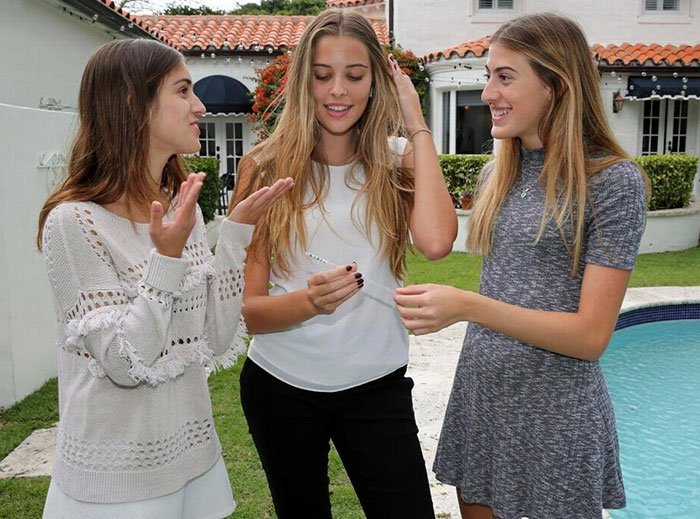 girls invent straw that detects date rape drugs