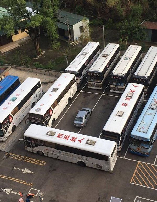 revenge stories car blocked in by buses