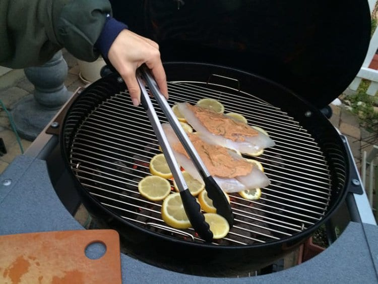 use lemons to grill fish