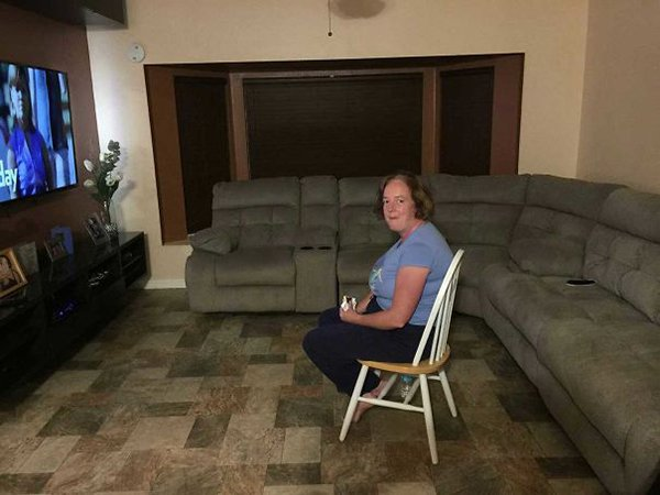 wife sitting on chair instead of new soga