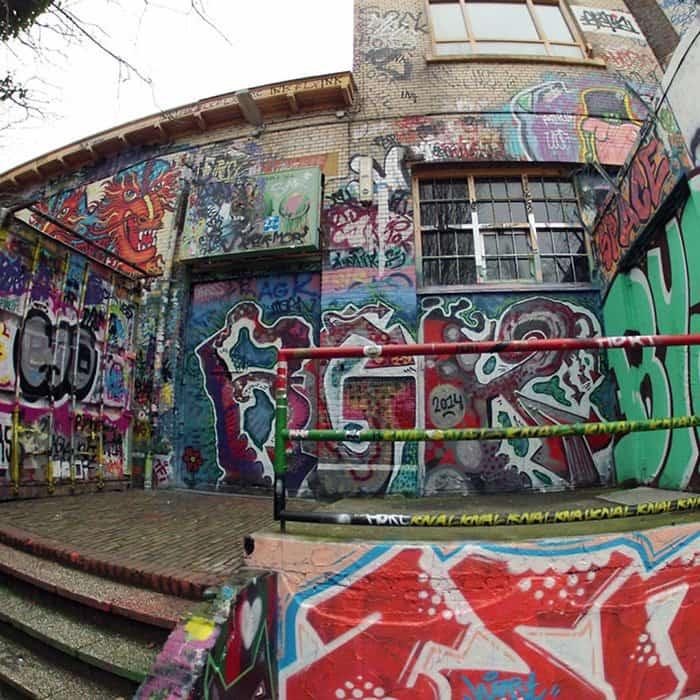 30 years graffiti peeled off doornroosje building view