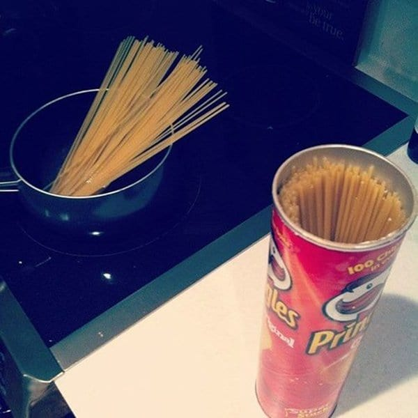 Alternative Uses For Ordinary Things pringles can spaghetti
