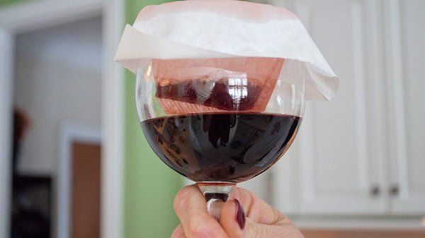Alternative Uses For Ordinary Things strain wine through filter