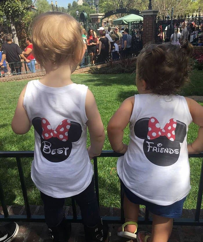 Awesome T-Shirt Pairs best friends minnie and mickey