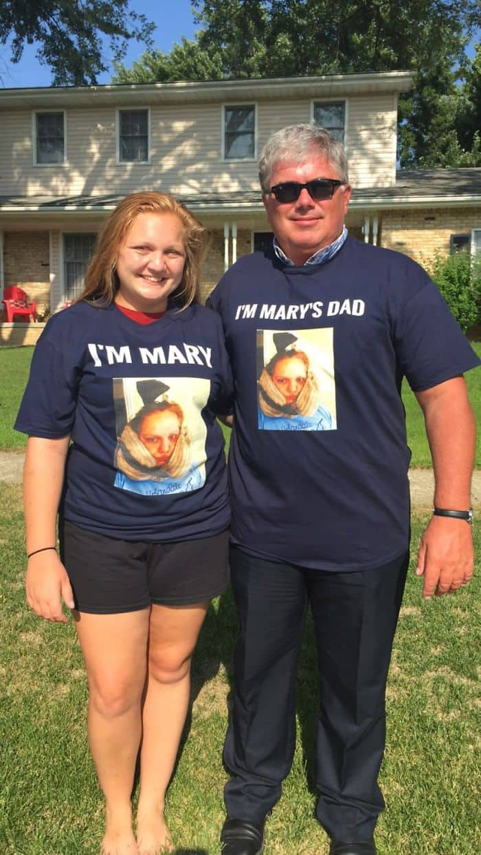 Awesome T-Shirt Pairs im mary