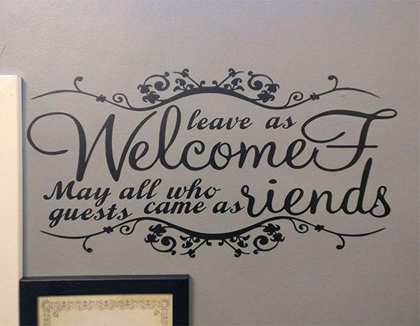 Bar And Restaurant Fails confusing welcome sign