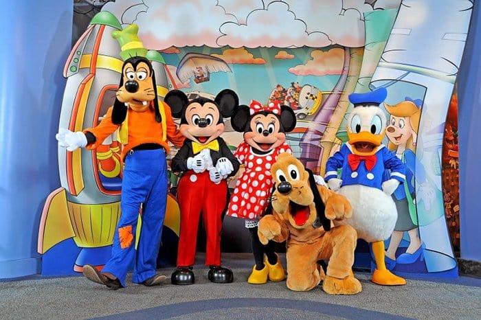 Employee Secrets Disney World charactersEmployee Secrets Disney World characters