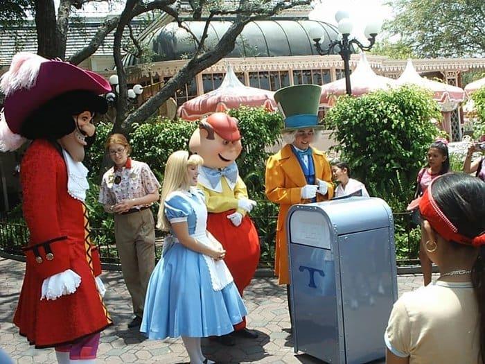 Employee Secrets Disney World picking up trash
